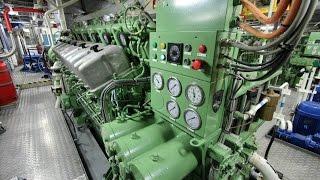 getlinkyoutube.com-ABC Diesel Engine Startup - Tugboat 5500hp