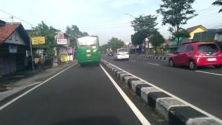 Parah, bus TransJogja berasap hitam...