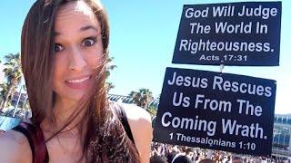 getlinkyoutube.com-DEBATING CRAZY RELIGIOUS PROTESTERS AT COMIC CON!