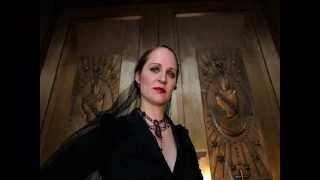 getlinkyoutube.com-Operatic Symphonic Metal: Female Vocalist Battle