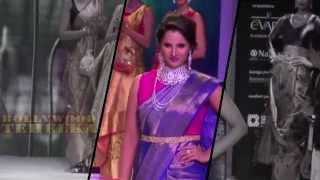Hot Sania Mirza In Sari & Red Blaug On Ramp At IIJW!