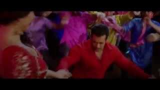 Video : Very hot Kareena Kapoor shaking boobs