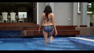 getlinkyoutube.com-Model shows her SEXY BUTT