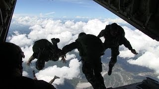 getlinkyoutube.com-Philippine Army Special Forces Regiment (Airborne) Freefall Jump at KC-130J