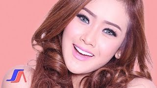 getlinkyoutube.com-Goyang Dumang - Cita Citata (Official Lyric Video)