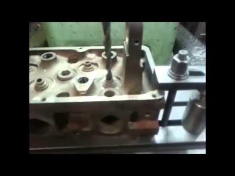 Ремонт головки блока цилиндров  автомобиля Ford