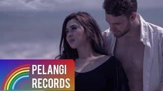 getlinkyoutube.com-Syahrini - Sandiwara Cinta (Official Music Video)