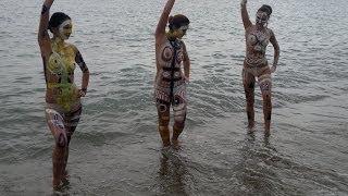 getlinkyoutube.com-2013 09 13 906 lago Yssykköl Kirghizistan: body paintingОзеро Yssykköl    Кыргызстан бодиарт 湖人體藝術