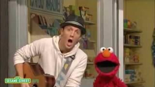 "getlinkyoutube.com-Sesame Street: ""Outdoors"" with Jason Mraz sings with Elmo ""I'm Yours"""