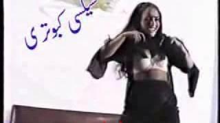 Sexy Punjabi girl in hot Pakistani mujra dance