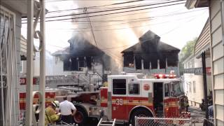 getlinkyoutube.com-FDNY BATTLING MAJOR 4 ALARM FIRE ON HILL AVE. IN WAKEFIELD AREA OF THE BRONX IN NEW YORK CITY.