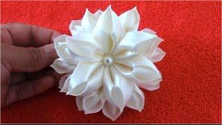 getlinkyoutube.com-Flores Kanzashi hermosas en cintas de raso paso a paso