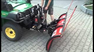 getlinkyoutube.com-John Deere Gator XUV 855 D mit Boss Schneeschild bei Trübenbacher GmbH