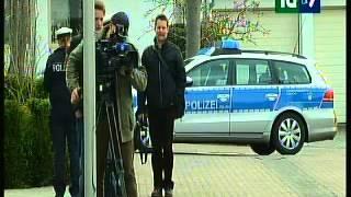 """Italia -27-03-AM - Germanwings: è stato il copilota - """"Addestramento fu interrotto per depressione""""; Cambiano regole, mai piu' uno solo in cabina; Esplosione e fiamme a Manhattan; La legge elettorale"""