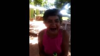 getlinkyoutube.com-Buen dia Grupo saludo de la Abuela borracha