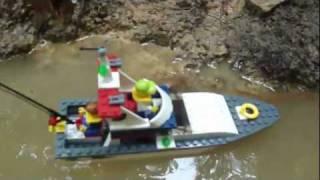 getlinkyoutube.com-LEGO City Fishing Boat Review: Set 4642