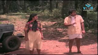 getlinkyoutube.com-Adiverukal Movie : Mohanlal Saves Karthika