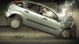 getlinkyoutube.com-Ford Focus Crash Test