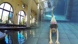 getlinkyoutube.com-Carla Underwater - Amazing Inside swimming Pool