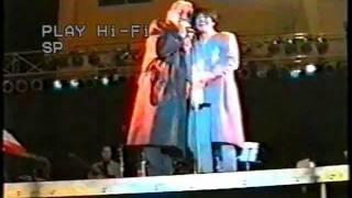 """Mia Martini si incazza con un signore che la chiama """"Mina"""" (penultimo concerto - 1995)"""