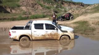 getlinkyoutube.com-Toyoteros - Se maneja sola.mp4