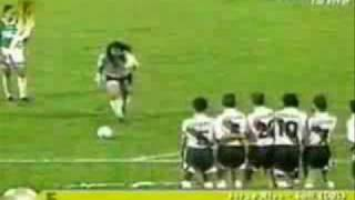 "getlinkyoutube.com-Rene ""El Loco Higuita - The crazy goalkeeper"