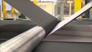 getlinkyoutube.com-BMW E92 M3 Carbon Fiber Roof Production