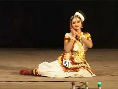 Aishwarya in Kalolsavam 2012-Mohiniattam