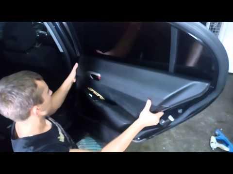 Снятие дверной обшывки Хонда Civic 2008