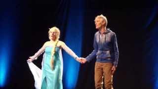 getlinkyoutube.com-Elsa & Jack Frost (French) - Concours Cosplay Senyu 2 08/03/14