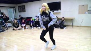getlinkyoutube.com-TWICE (트와이스) MOMO (모모) 우리집 커버댄스 2PM My House Dance Cover