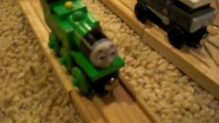 getlinkyoutube.com-Busy Going Backwards | Thomas & Friends Wooden Railway Remake