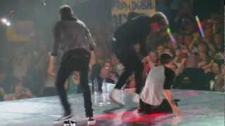 getlinkyoutube.com-One Direction - One Way or Another/Teenage Kicks - 4/4/13 O2 Arena - HD