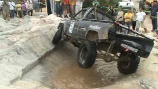 getlinkyoutube.com-Toyota Hilux (Extreme Exhaust) Trial