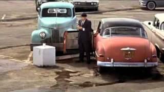 "getlinkyoutube.com-Hitchcock's ""The Birds"" (1963) - Gas station scene"