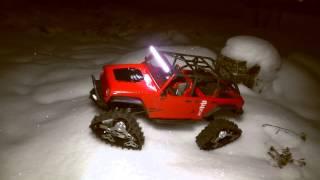 getlinkyoutube.com-Axial SCX10 Jeep Wrangler Rubicon Unlimited with Predator Tracks and vp ledbar