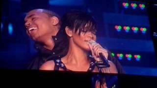 getlinkyoutube.com-Rihanna & Chris Brown Concert 5th November 2008 - Umbrella