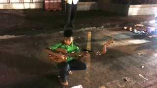 getlinkyoutube.com-태국(Thailand)에서 본 꼬마 거리의 악사