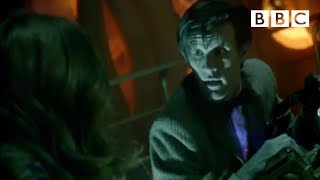 Doctor Who: The Doctor and Amy kiss width=