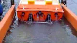 getlinkyoutube.com-Cigarette Top Gun Powerboat starting