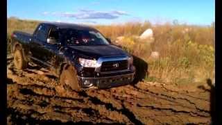 getlinkyoutube.com-2007 Toyota Tundra MUDDING
