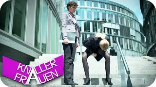 getlinkyoutube.com-Hirnausfluss & Nein! - Knallerfrauen mit Martina Hill in SAT.1