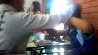 getlinkyoutube.com-♥Gays se beijando na escola♥