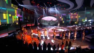 Nicki Minaj - Starships Live at American Idol