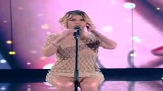 getlinkyoutube.com-Emma Marrone senza mutande sul palco come Laura Pausini