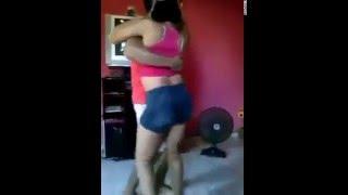 getlinkyoutube.com-Chica teniendo sexo en pleno baile!