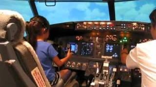 7 Year old in 737 Simulator