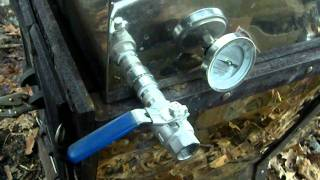 getlinkyoutube.com-Running the evaporator, making maple syrup