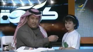 نجد القحطاني تهدي تركي العجمة تيشرت ومخده وتدعو للملك عبدالله