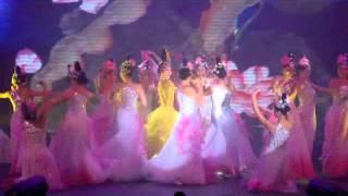 getlinkyoutube.com-Ngô Thanh Vân và Linh Nga múa Sen